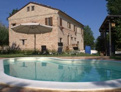 Macerata hotels with swimming pool