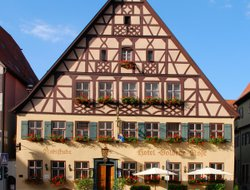 Dinkelsbuehl hotels with restaurants