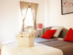 Pets-friendly hotels in Gassin