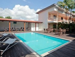 Macapa hotels with swimming pool