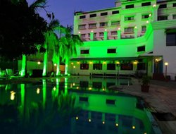 Nashik hotels with swimming pool
