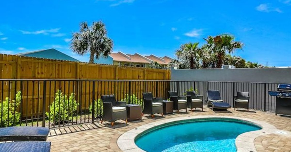 Miramar Beach Vacation Homes by Five Star Beach Properties