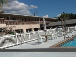 Winter Haven hotels with swimming pool