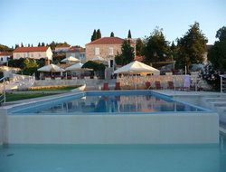 Lumbarda hotels with swimming pool