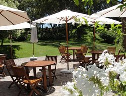 Pinamar hotels with restaurants