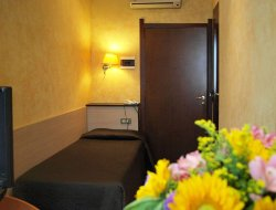 Piacenza hotels with restaurants