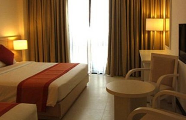 фото Nhi Phi Hotel 373419114