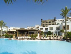 Playa Blanca hotels with restaurants