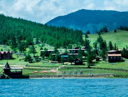 Sarma hotels with lake view