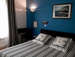 Pets-friendly hotels in Vanves
