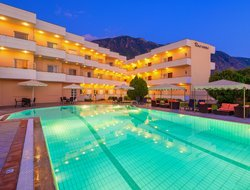 Kalamata hotels with swimming pool
