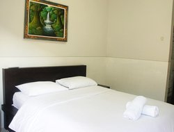 Tuban hotels with restaurants