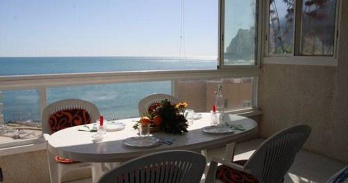 Apartment with views, garden in Calpe