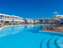 Corralejo hotels with restaurants