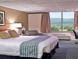 Morgantown hotels with swimming pool