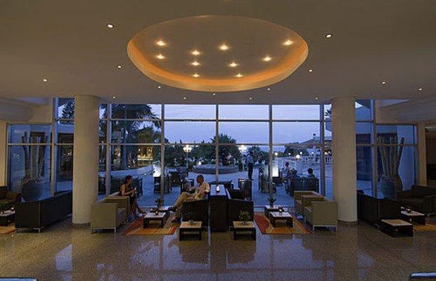 фото THE MEDITERRANEAN BEACH HOTEL L 414046171