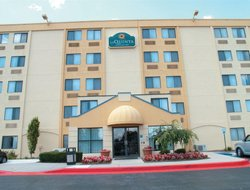 Pets-friendly hotels in White Marsh