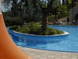 Soiano del Lago hotels with swimming pool