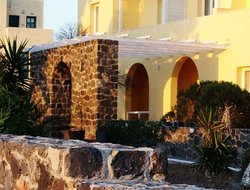Pyrgos hotels with restaurants