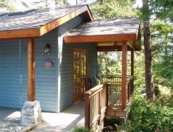 Pets-friendly hotels in Ucluelet