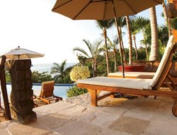 Zihuatanejo hotels with swimming pool