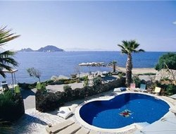 Top-10 hotels in the center of Turgutreis
