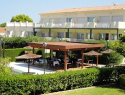 Llanca hotels with swimming pool