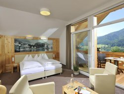 Top-3 romantic Weissensee hotels