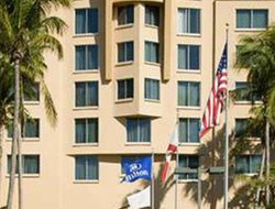 Dania Beach hotels with restaurants