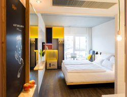 Vienna hotels with sea view