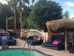 Pets-friendly hotels in Desert Hot Springs