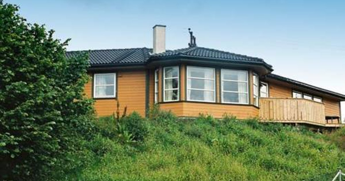 Five-Bedroom Holiday home in Auklandshamn 1