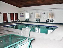 Lake Delton hotels with swimming pool