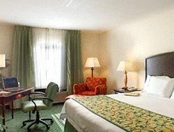 Alpharetta hotels with swimming pool