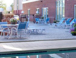 New Bern hotels with restaurants