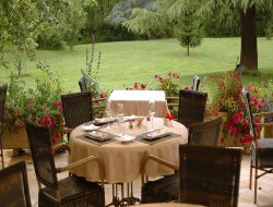 Brantome hotels with restaurants