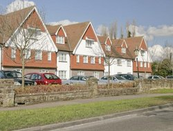 Horley hotels with restaurants
