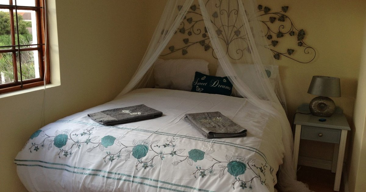 Lovely new room 250m from the beach