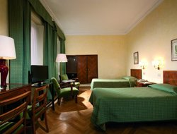Rome hotels with lake view