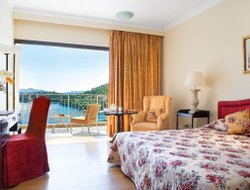 Kommeno hotels with sea view