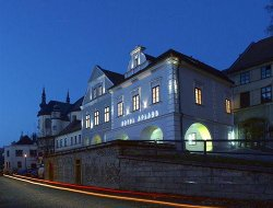 Litomysl hotels with restaurants