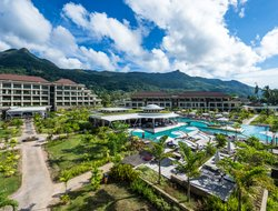 Beau Vallon hotels with restaurants