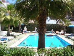Cala Blanca hotels with swimming pool