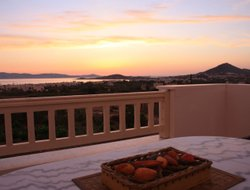 Top-6 romantic Agia Anna hotels