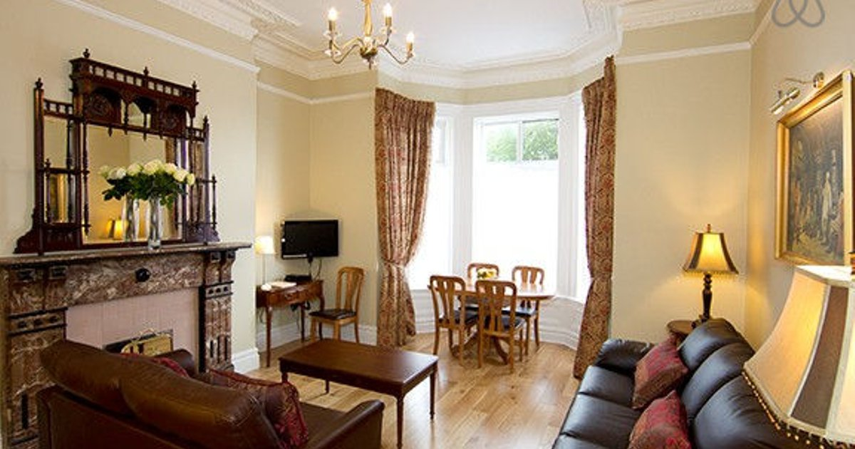Victorian apartment - sleeps 6