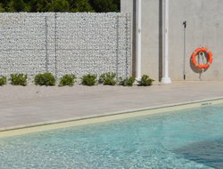 Montpellier hotels with swimming pool