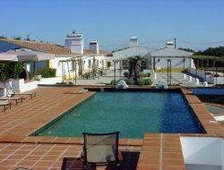 Evora hotels with swimming pool