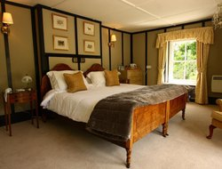 Chagford hotels with restaurants