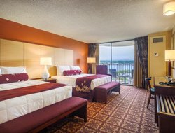 Top-5 hotels in the center of Hilo