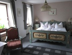 Pets-friendly hotels in Dieblich